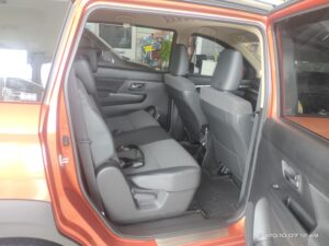 INTERIOR-TENGAH-XL-7